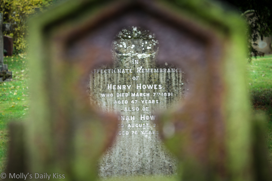Grave stone for henry Howes in Hertford Heath