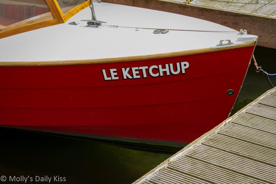 Le Ketchup boat name Henley