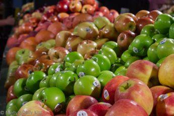 Apples at Reading Terminal Market