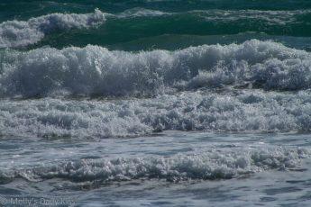 White waves surf