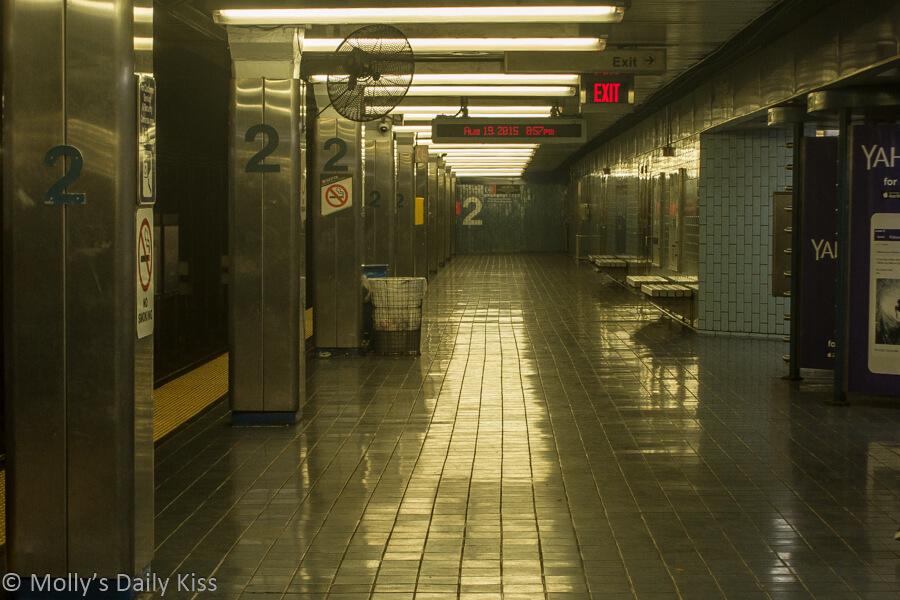 Philadelphia subway 2nd street market frankfort line sultry heat