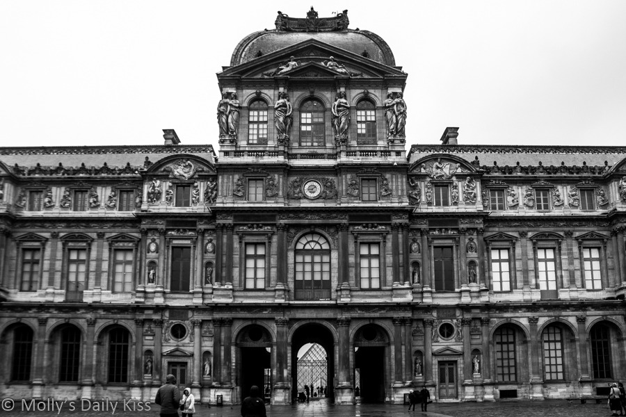 Black and white image of the Louvre