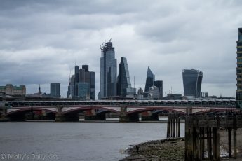 Lnodnonbuildings skyline from south embankmant is a cesspool